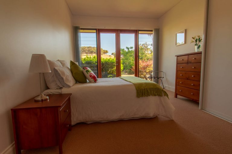 accomodation at henty lodge ferguson valley